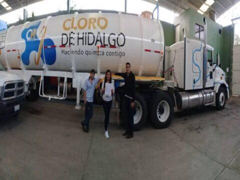 Instalación de localizadores GPS en pipas de empresa cloro de Hidalgo